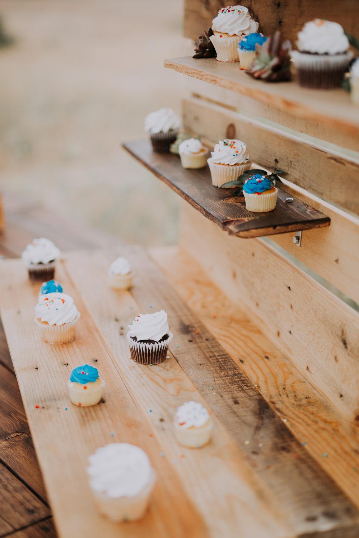 Semiona Cupcake Stand