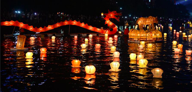 Ch 47 - water lanterns with dragon.png