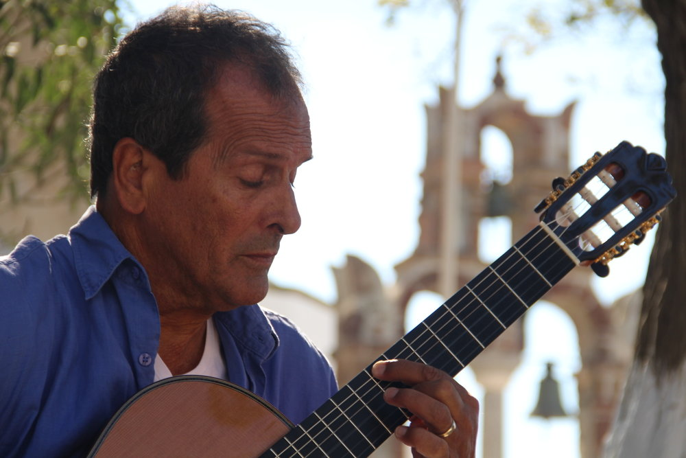 eric-henderson-classical-guitar-greece