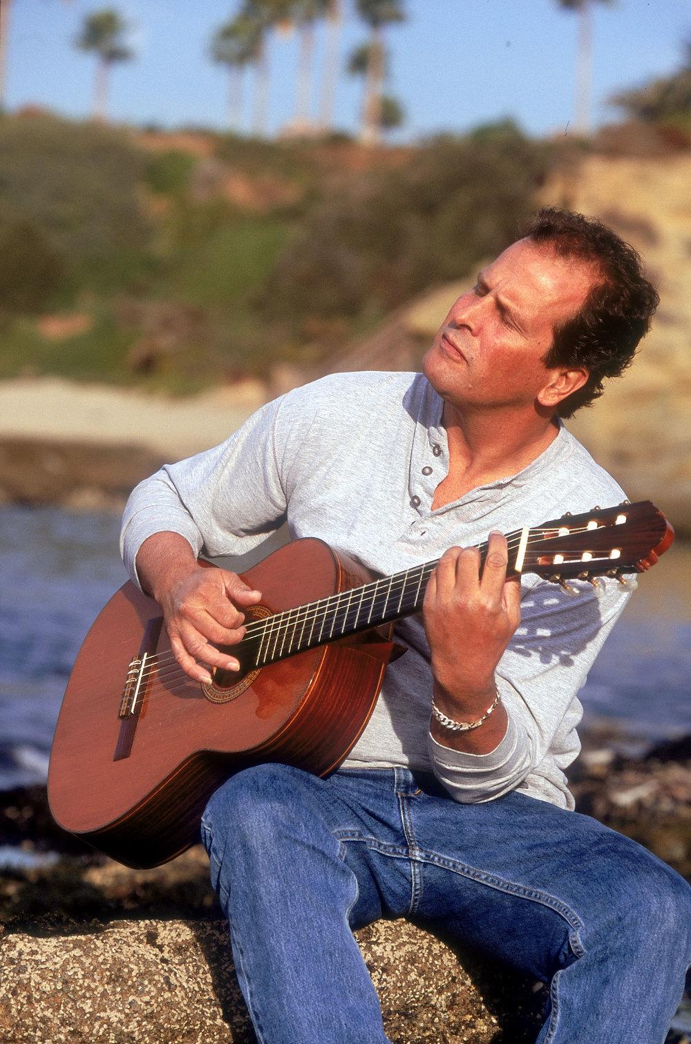 Eric-henderson-classical-guitar-laguna-beach