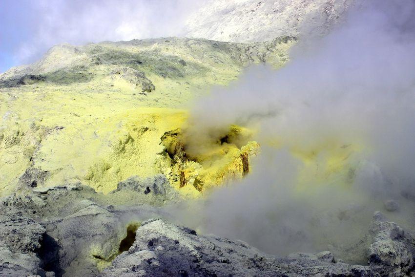 White Island sulphur.jpeg