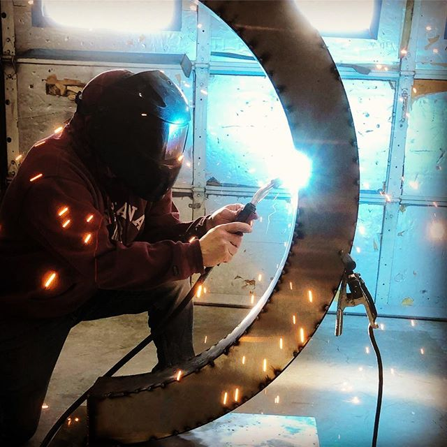 Studio progress image of a sculpture being installed this week in South Beach Miami. #stainlesssteelsculpture #miamiart #miamisculpture #contemporarysculpture #contemporaryart #workinprogress