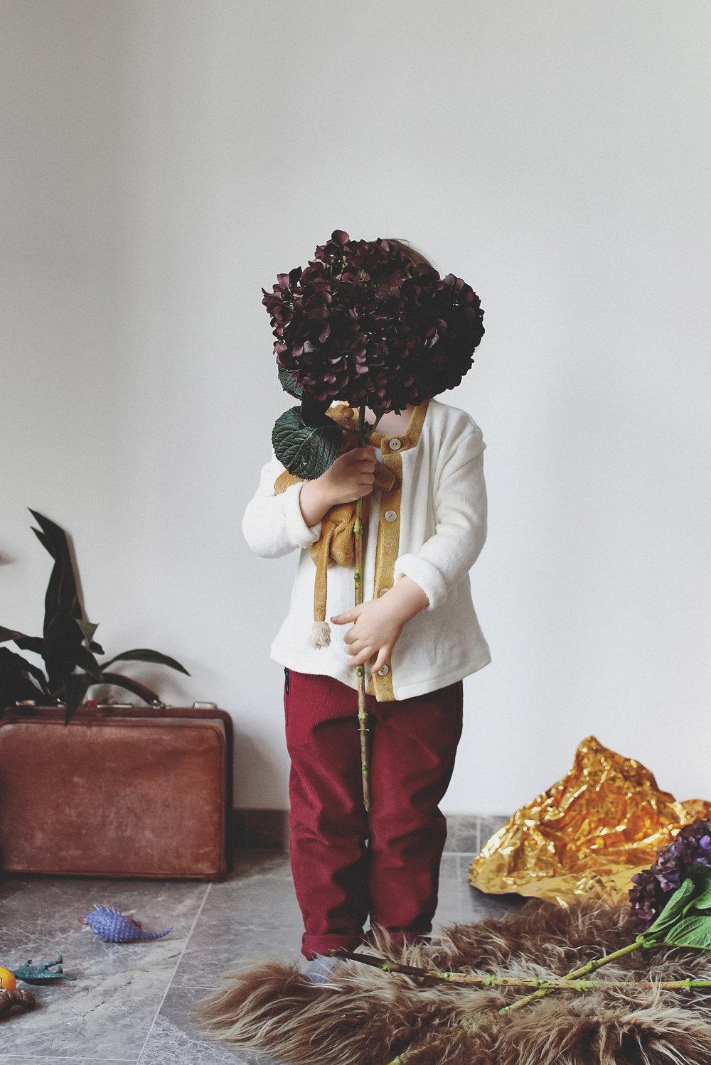 À la découverte des fleurs ! Les manipuler et les assembler pour réaliser son propre bouquet ou guirlande pour sa chambre tout en racontant des histoires. Tarif : 59€