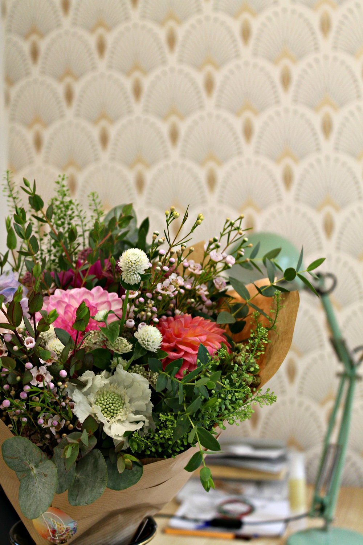 Passer un moment de détente et de plaisir autour de la fleur : discuter, se raconter et composer son bouquet selon ses envies et son intérieur.      Aussi disponible en Carte Cadeau à offrir