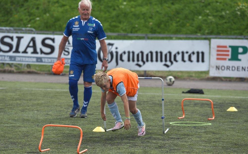 TØNSBERGS BLAD(JULI 2015) - Borre IF har vært en strålende samarbeidspartner som har lånt oss det flotte anlegget sitt.