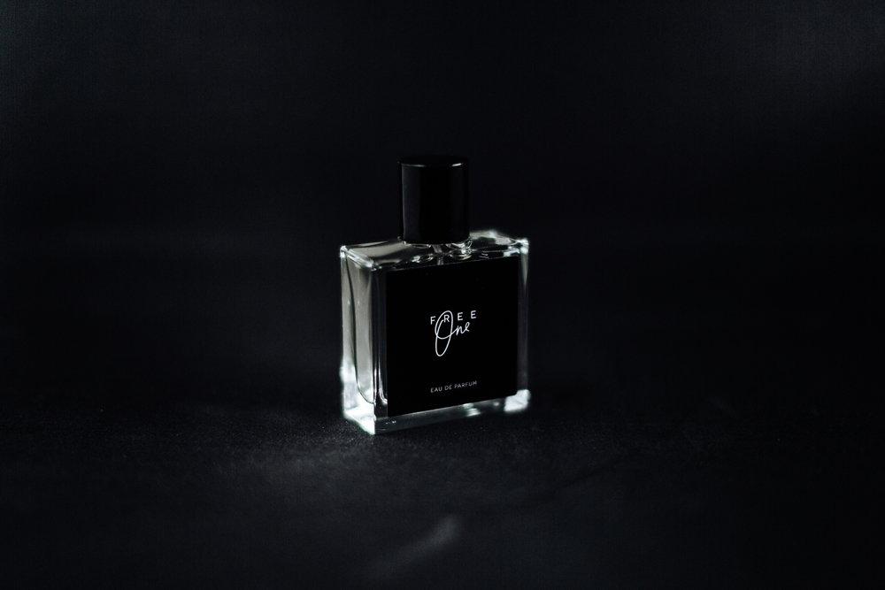An Eau de parfum with Swiss mountain water. - Buy now!