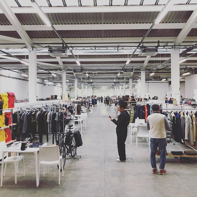 @jacketreqd is open! @7lsystem #appareldesign #technicalfabrics #apparelmanufacturing #mountain #fashion #textiles #techwear #retail #goodluck @army_of_shadows @jonnygee928 @melwaymanxo @iangarside @shulingdreams @hypebeast @highsnobietystyle @highsnobiety