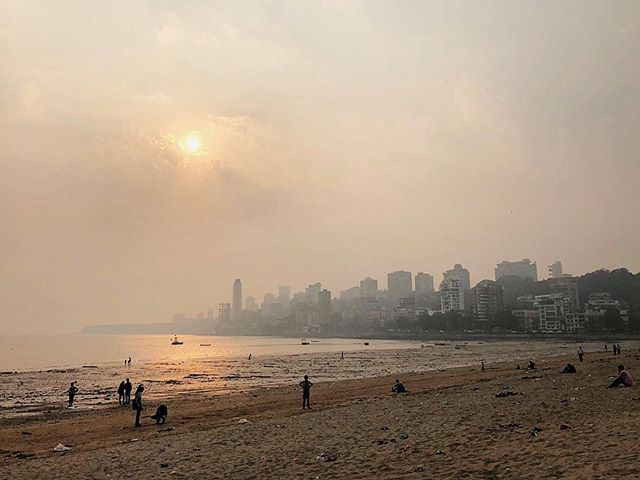 One of the most famous beaches in Mumbai, Chowpatty beach gives way to a beautiful view onto the city's skyline ☀ Feel transported to this Indian landscape by ordering Namma tonight!⠀ .⠀ ⠀ .⠀ .⠀ .⠀ .⠀ .⠀ #namma #nammadelivery #offthetrackindianfood #thisislondon #visitlondon #EEEEEats #feedfeed #foodintheair #wheretoeat #heresmyfood #onthetable #beautifulcuisines #toplondonrestaurants #lifeandthyme #eattheworld #dametravelerfoodie #f52grams #tablesituation #onmyplate #storyofmytable #indianfood #indiantakeaway  #travelindia #indiaadventure #indiatravel #incredibleindia
