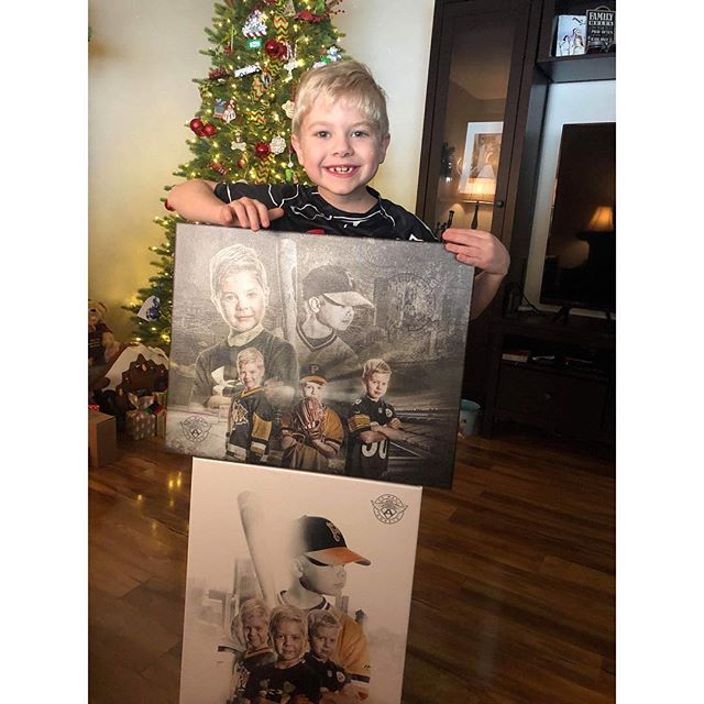 We're going to take a wild guess and say that Leo like his canvas prints!! Thank you for the introduction to Leo, @cuddlesforkids!