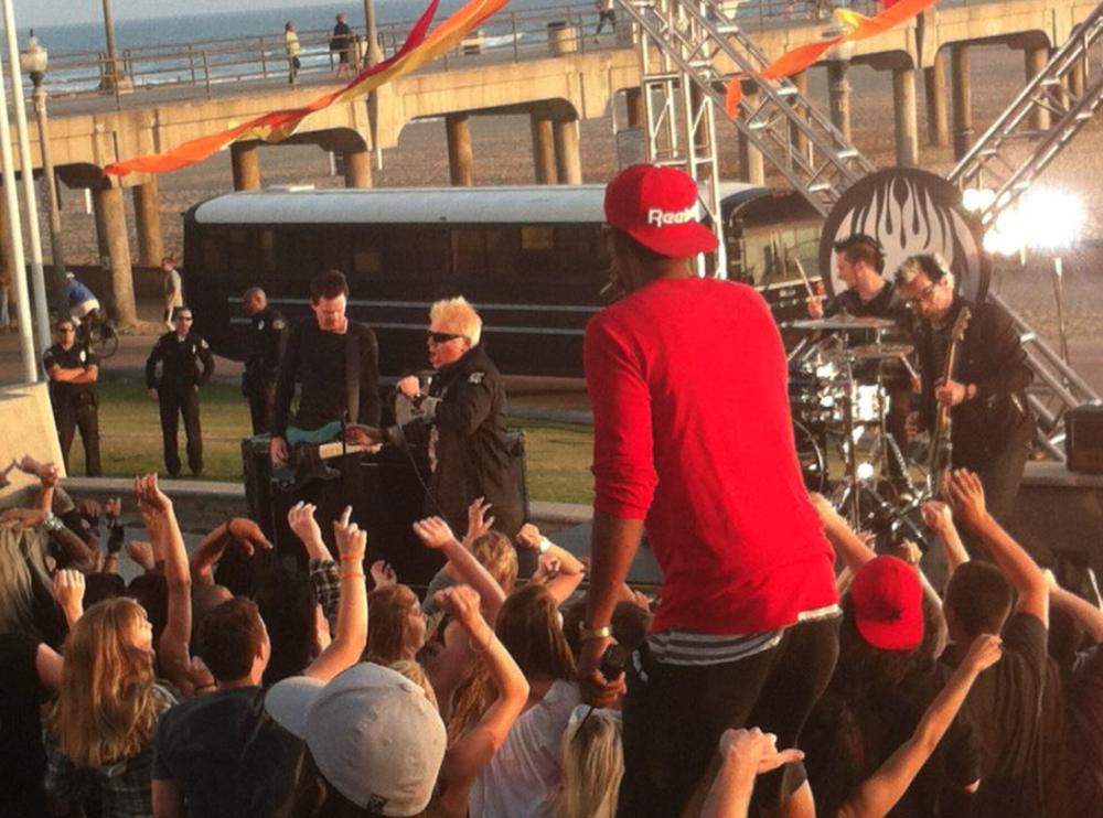 Jump On The School Bus Music Video Prop fir The Offspring 6.png