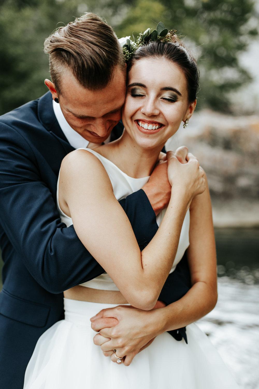 lethbridge-wedding-photographer-love-and-be-loved-photography-kurtis-beth-springbreak-flower-farm-crowsnest-pass-mountain-picture-image-photo-17.jpg