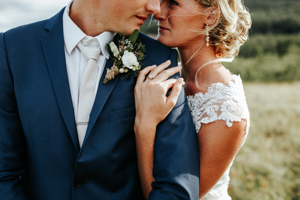 lethbridge-wedding-photographer-love-and-be-loved-photography-waterton-lakes-mountain-picture-image-photo-4.jpg