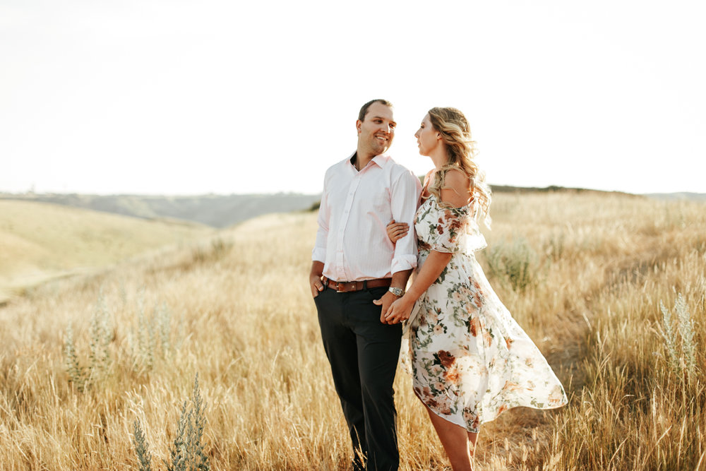 lethbridge-wedding-photographer-love-and-be-loved-photography-katie-kelli-engagement-picture-image-photo-4.jpg