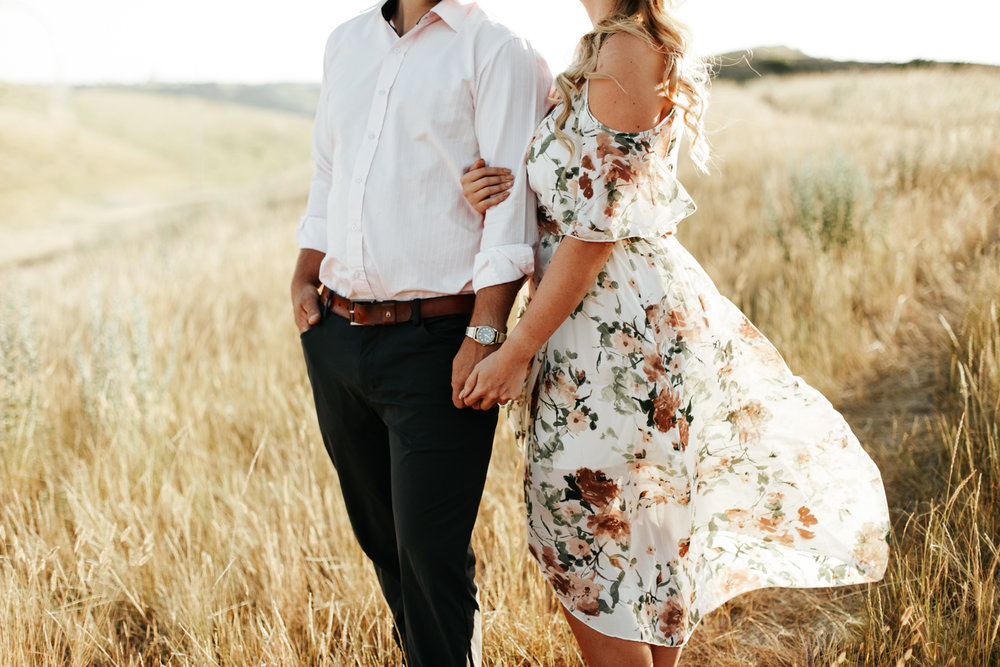 lethbridge-wedding-photographer-love-and-be-loved-photography-katie-kelli-engagement-picture-image-photo-5.jpg