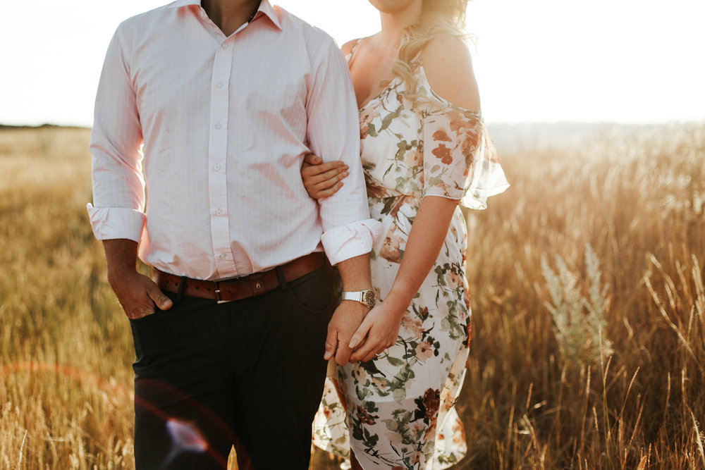 lethbridge-wedding-photographer-love-and-be-loved-photography-katie-kelli-engagement-picture-image-photo-7.jpg