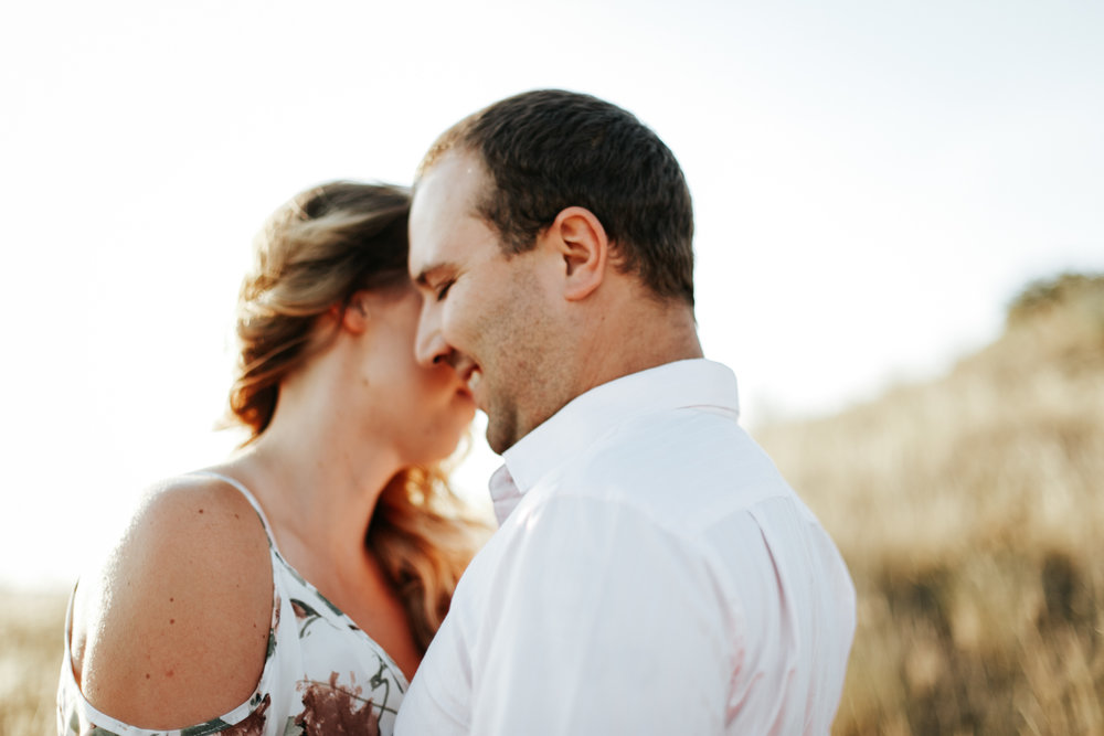 lethbridge-wedding-photographer-love-and-be-loved-photography-katie-kelli-engagement-picture-image-photo-9.jpg