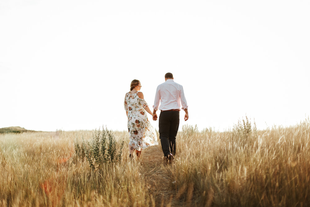 lethbridge-wedding-photographer-love-and-be-loved-photography-katie-kelli-engagement-picture-image-photo-14.jpg