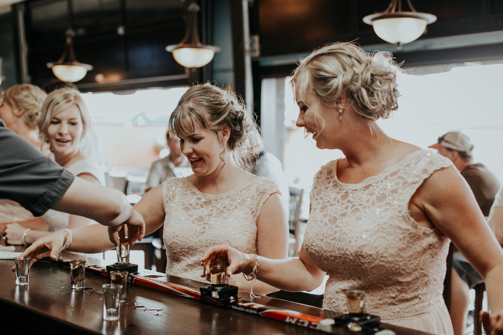 hudsons-tap-house-lethbridge-love-and-be-loved-photography-wedding-image-picture-photo-6.jpg