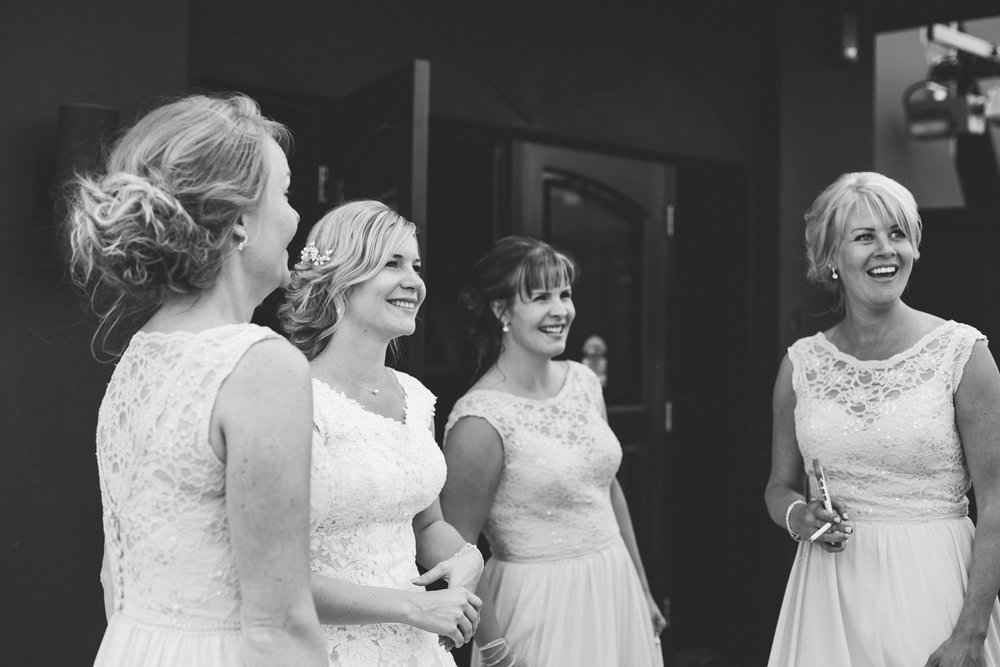 hudsons-tap-house-lethbridge-love-and-be-loved-photography-wedding-image-picture-photo-18.jpg