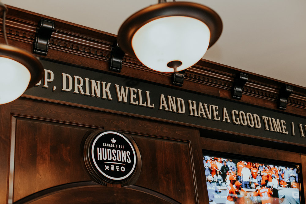 hudsons-tap-house-lethbridge-love-and-be-loved-photography-wedding-image-picture-photo-17.jpg