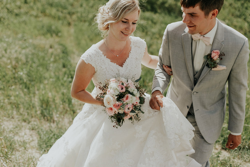 love-and-be-loved-photography-lethbridge-wedding-photographer-image-picture-photo-5.jpg