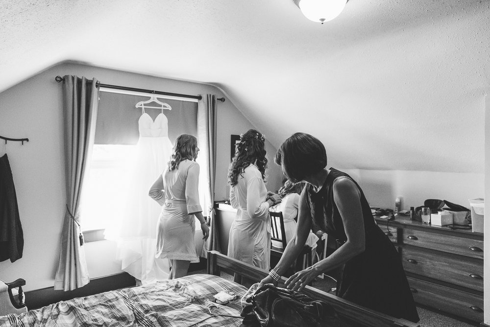 lethbridge-wedding-photographer-love-and-be-loved-photography-dan-tynnea-picture-image-photo-5.jpg