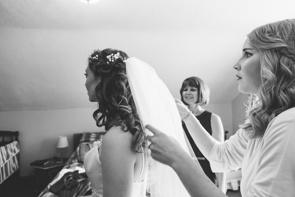 lethbridge-wedding-photographer-love-and-be-loved-photography-dan-tynnea-picture-image-photo-18.jpg