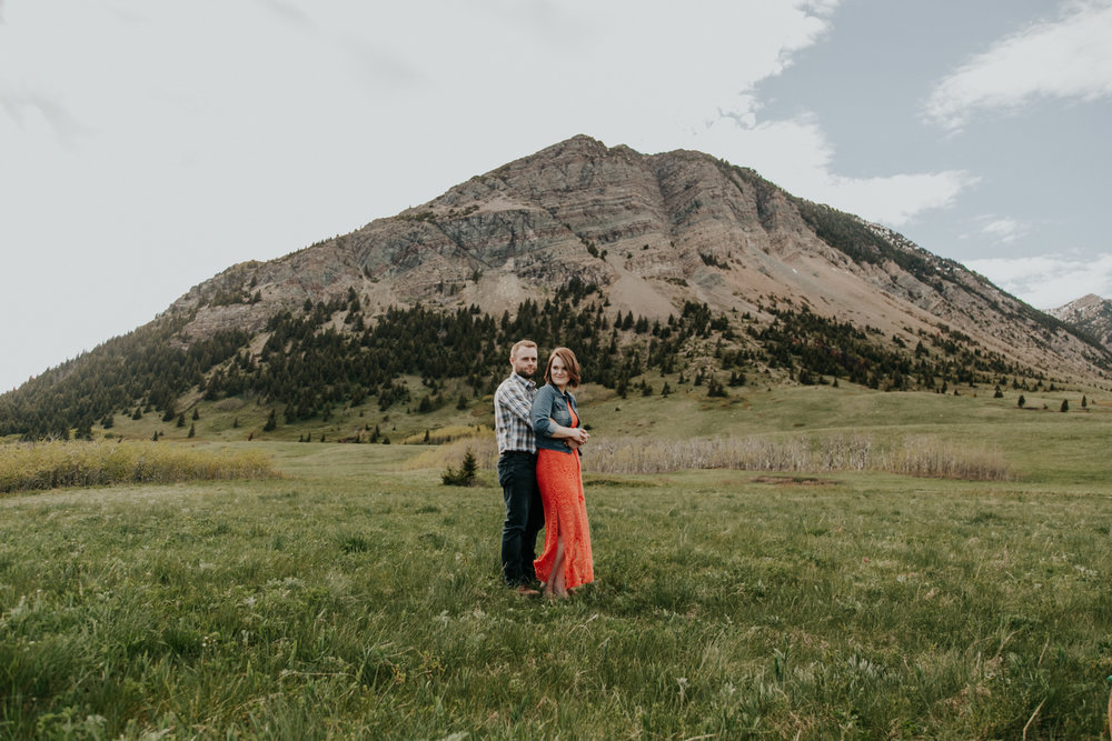 waterton-photographer-love-and-be-loved-photograph-mountain-engagement-luc-megan-picture-iamge-photo-20.jpg