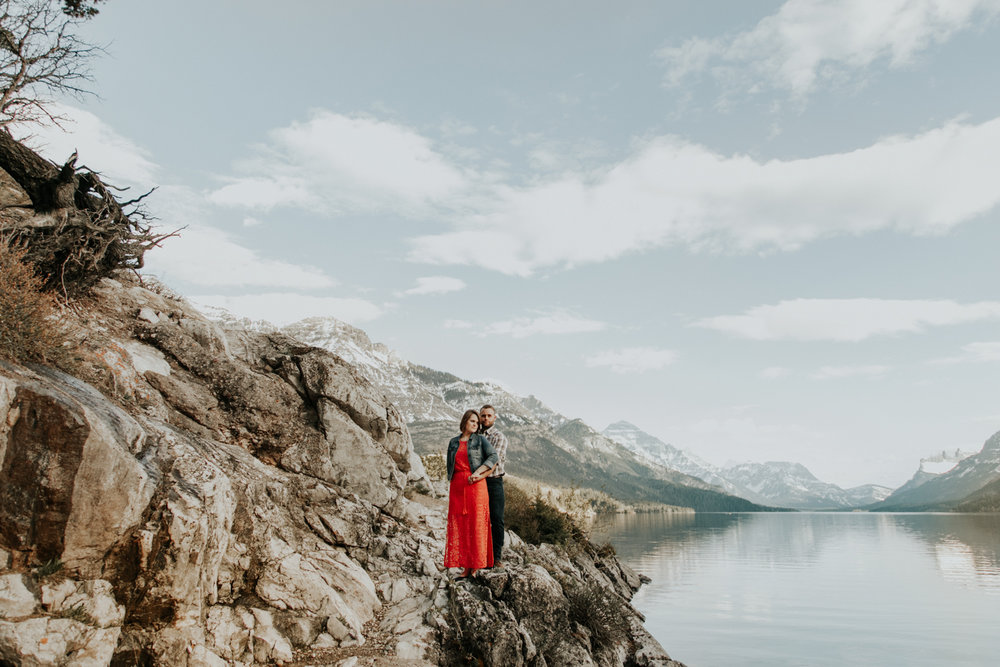 waterton-photographer-love-and-be-loved-photograph-mountain-engagement-luc-megan-picture-iamge-photo-32.jpg
