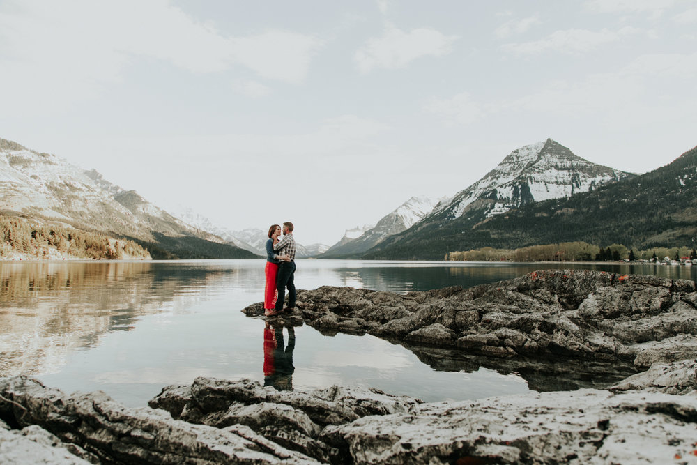 waterton-photographer-love-and-be-loved-photograph-mountain-engagement-luc-megan-picture-iamge-photo-46.jpg