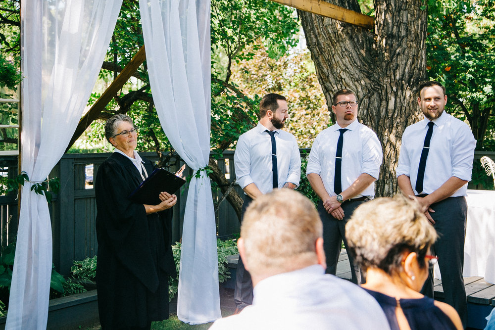 lethbridge-wedding-photography-love-and-be-loved-photographers-ashlin-anne-backyard-wedding-image-picture-photo-109.jpg