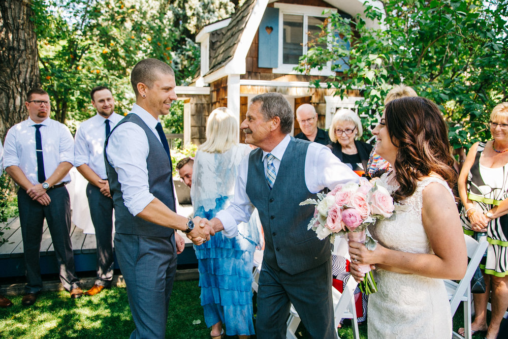 lethbridge-wedding-photography-love-and-be-loved-photographers-ashlin-anne-backyard-wedding-image-picture-photo-116.jpg