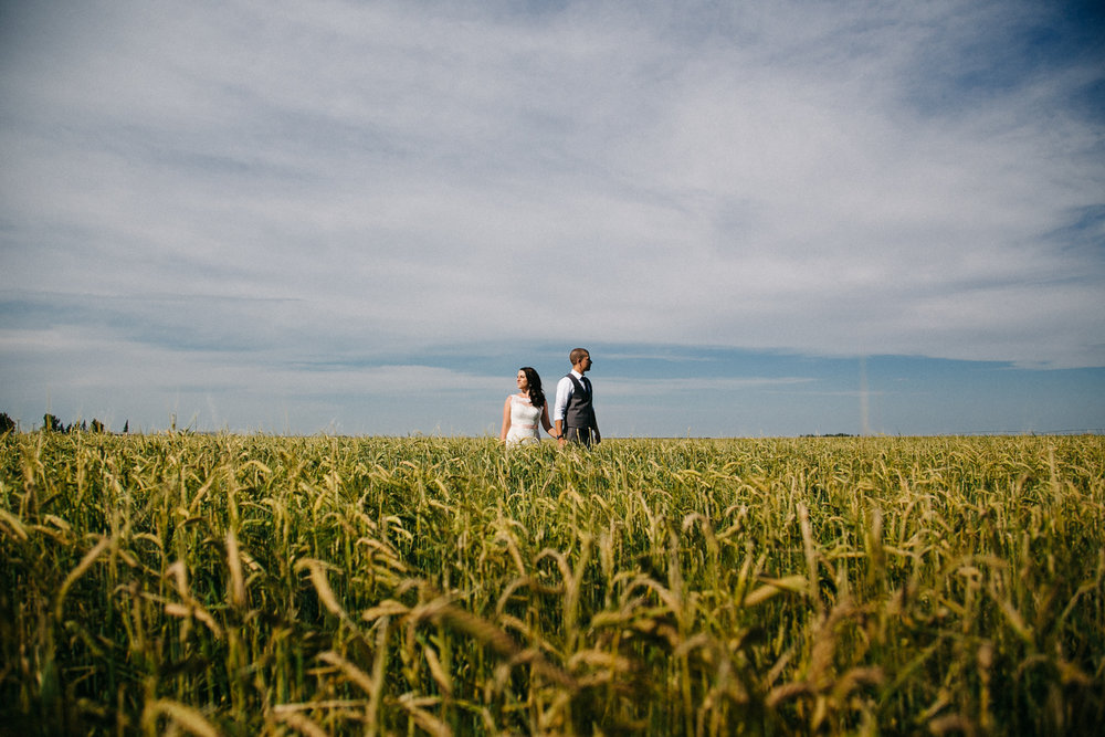 lethbridge-wedding-photography-love-and-be-loved-photographers-ashlin-anne-backyard-wedding-image-picture-photo-314.jpg