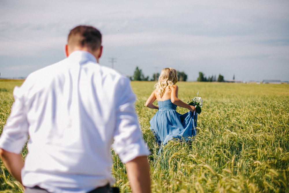 lethbridge-wedding-photography-love-and-be-loved-photographers-ashlin-anne-backyard-wedding-image-picture-photo-356.jpg