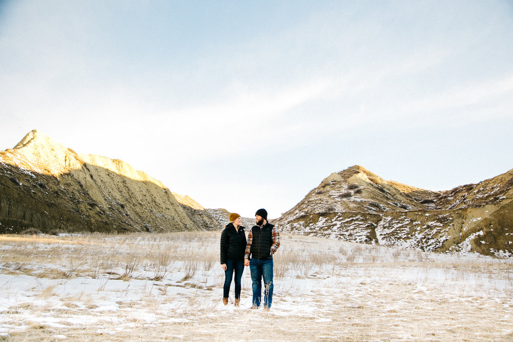 lethbridge-engagement-photographer-love-and-be-loved-photography-rylee-yanick-picture-image-photo-1.jpg