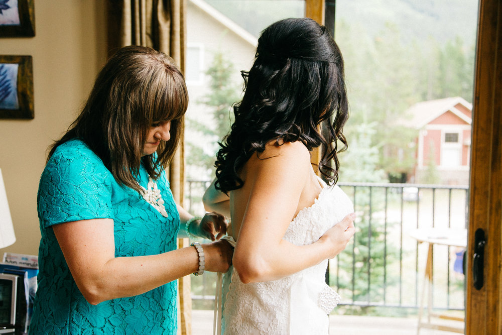 castle-mountain-wedding-photographer-love-and-be-loved-photography-jeremy-kristen-photo-image-picture-19.jpg