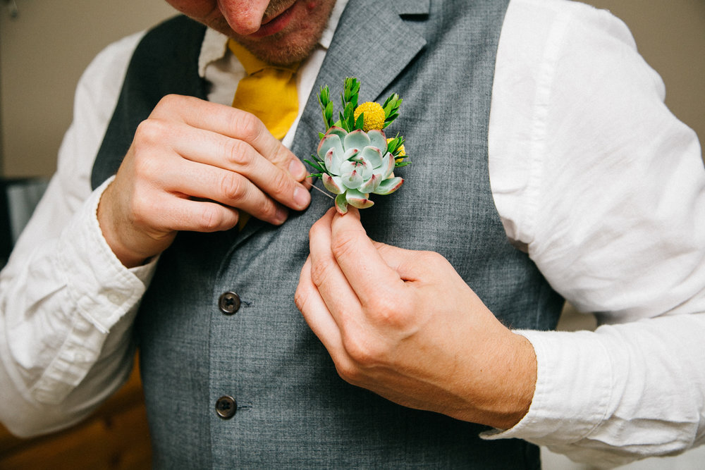 okotoks-wedding-photographer-love-and-be-loved-photography-sara-luke-backyard-ceremony-photo-image-picture-18.jpg