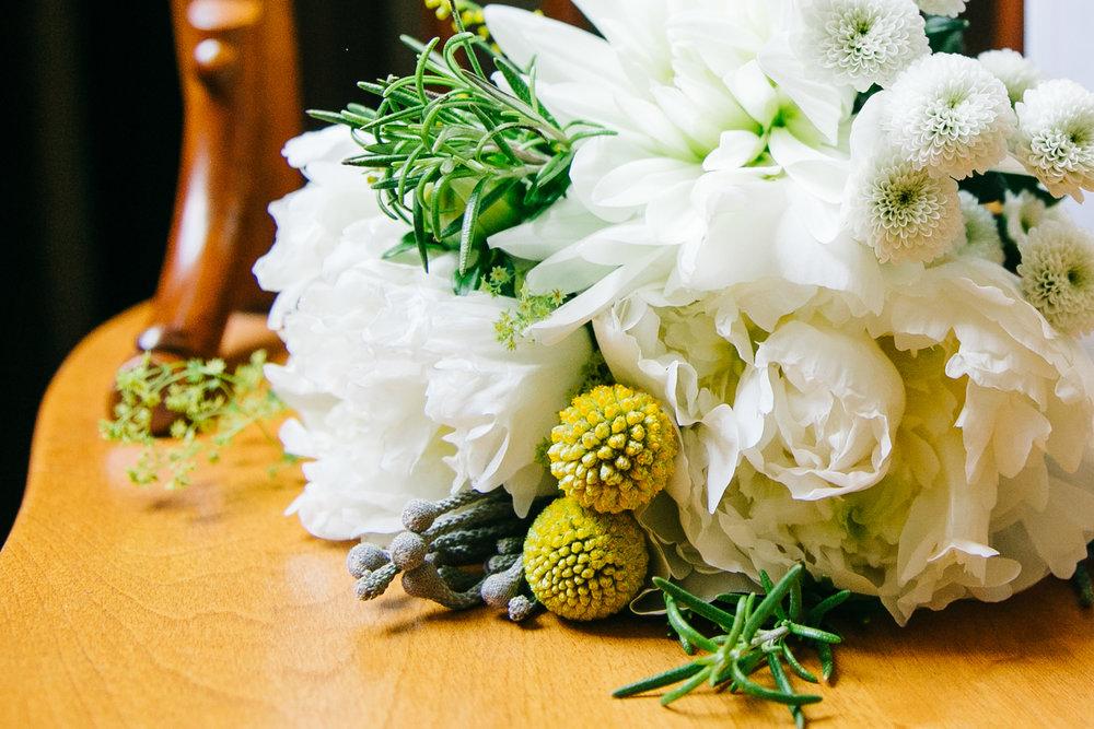 okotoks-wedding-photographer-love-and-be-loved-photography-sara-luke-backyard-ceremony-photo-image-picture-37.jpg