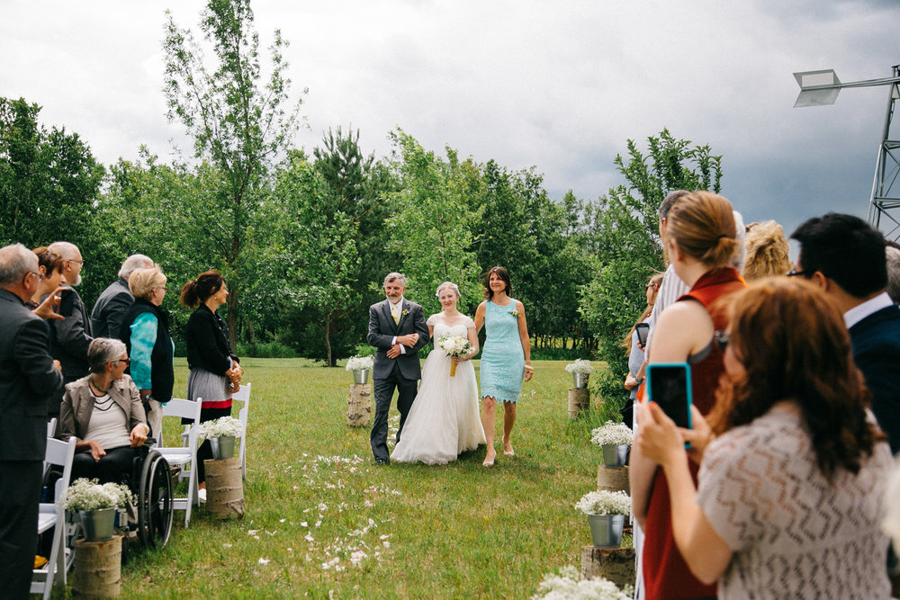 okotoks-wedding-photographer-love-and-be-loved-photography-sara-luke-backyard-ceremony-photo-image-picture-92.jpg