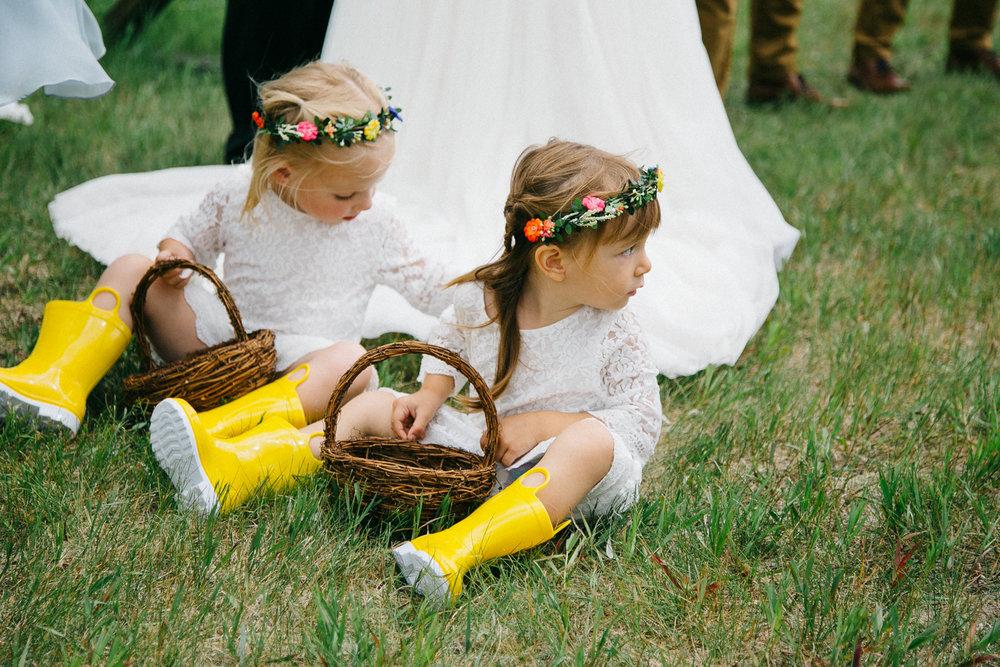 okotoks-wedding-photographer-love-and-be-loved-photography-sara-luke-backyard-ceremony-photo-image-picture-98.jpg