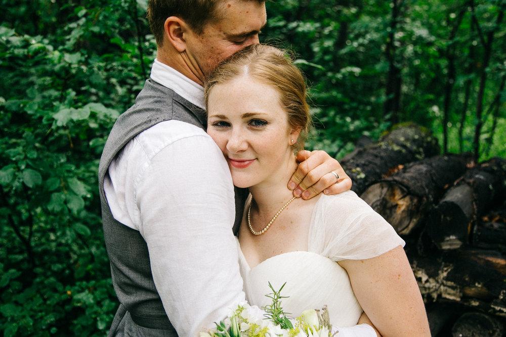 okotoks-wedding-photographer-love-and-be-loved-photography-sara-luke-backyard-ceremony-photo-image-picture-201.jpg