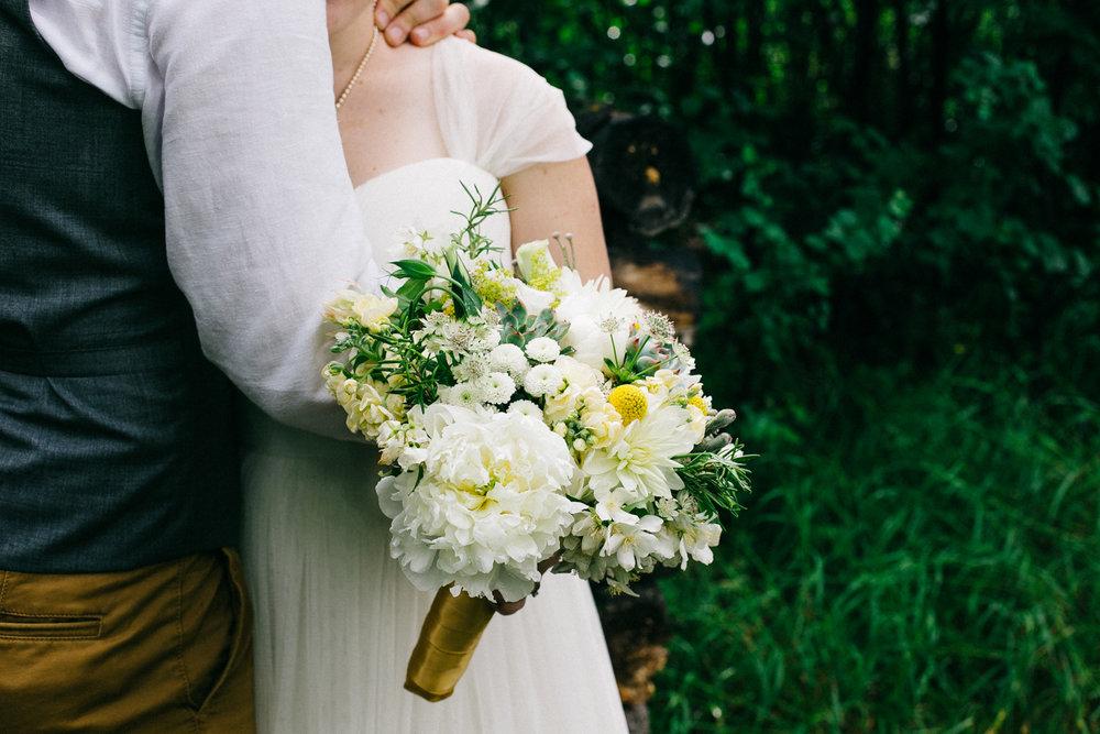okotoks-wedding-photographer-love-and-be-loved-photography-sara-luke-backyard-ceremony-photo-image-picture-202.jpg