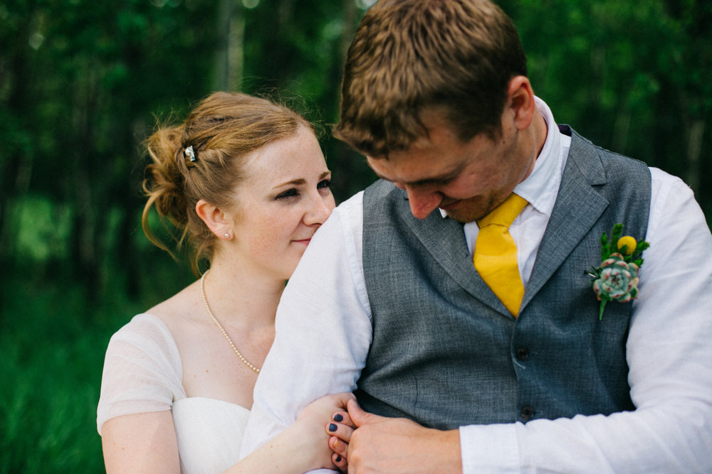 okotoks-wedding-photographer-love-and-be-loved-photography-sara-luke-backyard-ceremony-photo-image-picture-213.jpg