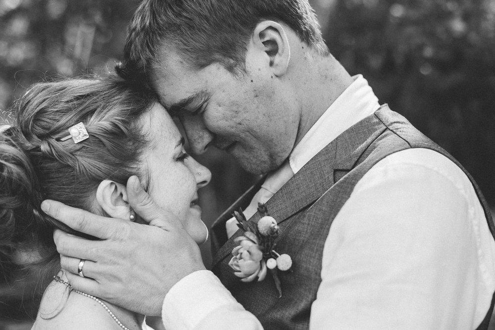 okotoks-wedding-photographer-love-and-be-loved-photography-sara-luke-backyard-ceremony-photo-image-picture-215.jpg