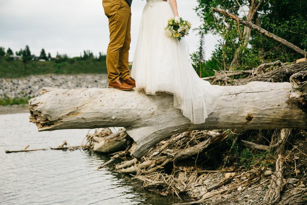 okotoks-wedding-photographer-love-and-be-loved-photography-sara-luke-backyard-ceremony-photo-image-picture-226.jpg