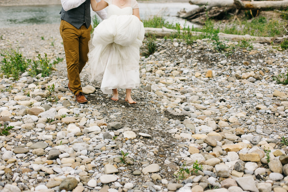 okotoks-wedding-photographer-love-and-be-loved-photography-sara-luke-backyard-ceremony-photo-image-picture-231.jpg