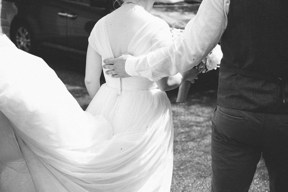 okotoks-wedding-photographer-love-and-be-loved-photography-sara-luke-backyard-ceremony-photo-image-picture-400.jpg