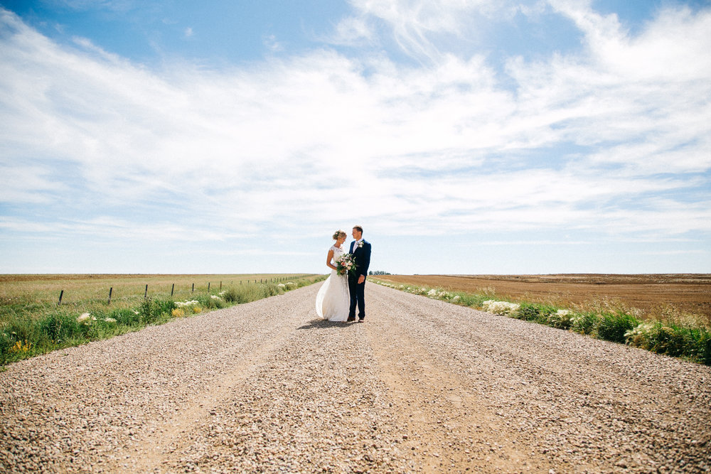 lethbridge-wedding-photography-love-and-be-loved-photographer-jodi-jonny-picture-image-photo-7.jpg