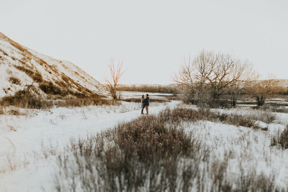 lethbridge-photography-love-and-be-loved-photographer-dan-tynnea-engagement-picture-image-photo-61.jpg