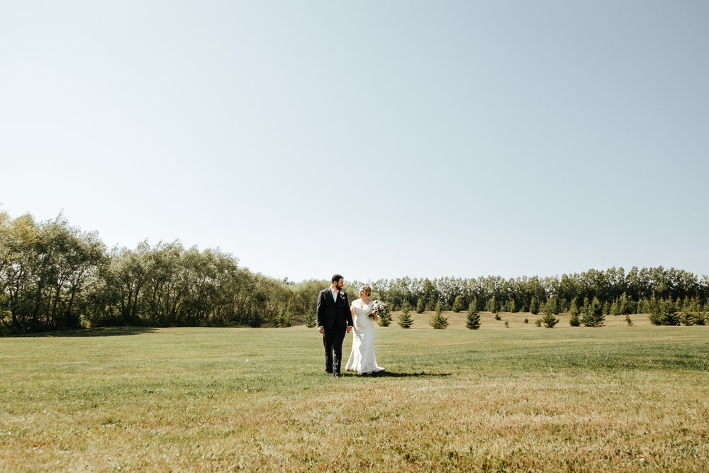red-deer-wedding-photographer-love-and-be-loved-photography-emily-gab-photo-image-picture-94.jpg